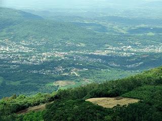 Cidade de Igrejinha vista do Morro Alto da Pedra