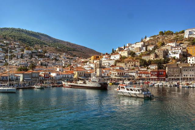 Vista da chegada em Hydra, Grécia