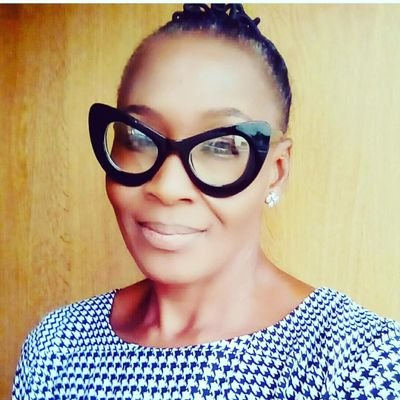 """Kemi Olunloyo set to go hard on Davido in 2019: """"I was the one wiping his tears on Vero's funeral"""""""
