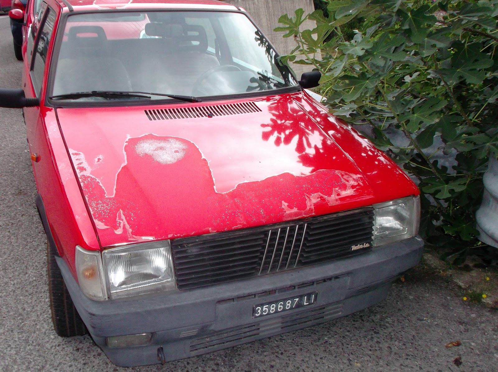 treggia's blog: vecchie auto a firenze: una uno turbo elbana e un