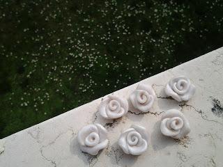 orecchini rose lobo fimo