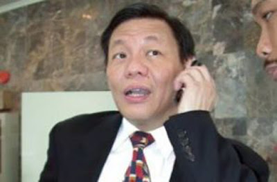 Biografi Sukanto Tanoto - CEO Garuda Mas     Sukanto Tanoto (lahir dengan nama Tan Kang Hoo di Belawan, Medan, 25 Desember 1949; umur 62 tahun) adalah seorang pengusaha asal Indonesia. Ia adalah CEO Raja Garuda Mas, sebuah perusahaan yang berkantor pusat di Singapura dengan usaha di berbagai bidang, terutamanya kertas dan kelapa sawit. Tanoto dinyatakan sebagai orang terkaya di Indonesia oleh majalah Forbes pada September 2006, namun pada tahun 2011, Forbes kembali merilis daftar orang terkaya di Indonesia. Ia menduduki peringkat ke-6 dengan total kekayaan US$ 2,8 miliar  Forbes memiliki daftar orang terkaya di seluruh dunia. Dan beberapa orang dari Indonesia mampu masuk ke dalam daftar tersebut termasuk seorang pengusaha yang bernama Sukanto Tanoto. Kesuksesan beliau pun dinilai dari jumlah Dollar Amerika yang sudah beliau hasilkan. Sangat menakjubkan sekali bahwa ada orang Indonesia yang bisa menghasilkan pendapatan yang sangat besar. Hal ini pasti didukung oleh sumber daya manusia yang sangat baik dari pribadi orang tersebut. Beliau memasuki urutan ke 284 pada tahun 2008 karena memiliki kekayaan sebesar US$ 3.8 trilyun. Hal ini sungguh pencapaian yang sangat bagus sekali. Usaha yang telah dan masih akan dijalankan oleh Tanoto sanggup membawanya ke kesuksesan yang
