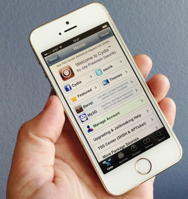 Top 6 Best Cydia Tweaks & Apps for iPhone Running iOS 7.1.2,  7.1.x Firmware
