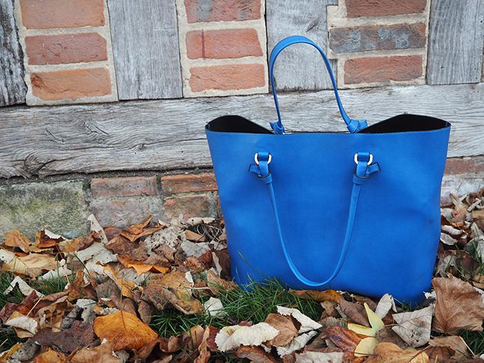 zara blue bag fashion bloggers
