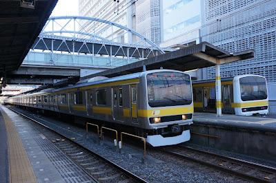 千葉駅停車中の209500番台とE231系