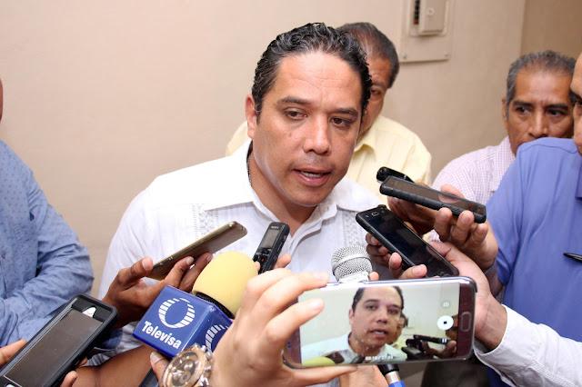 Exhorta alcalde a Pemex para atender incremento de pipas de combustible