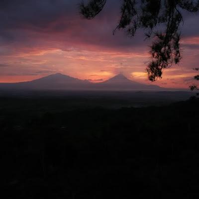 foto sunrise di pos mati magelang