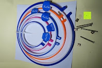 ausgepackt: 5 Teiliges Handi-Stitch Stickrahmen und Kreuzstich Set– 12,7 bis 28 cm ( Größen (28cm, 24cm, 20,5cm, 16,5cm & 12,7cm) – Verschiedene Farben