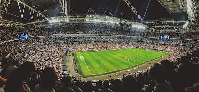 أفضل 10 مواقع لمشاهدة مباريات كرة القدم مجانا و بجودة عالية |  تعليق بالعربيه