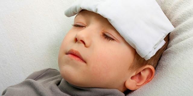 cara menolong anak demam