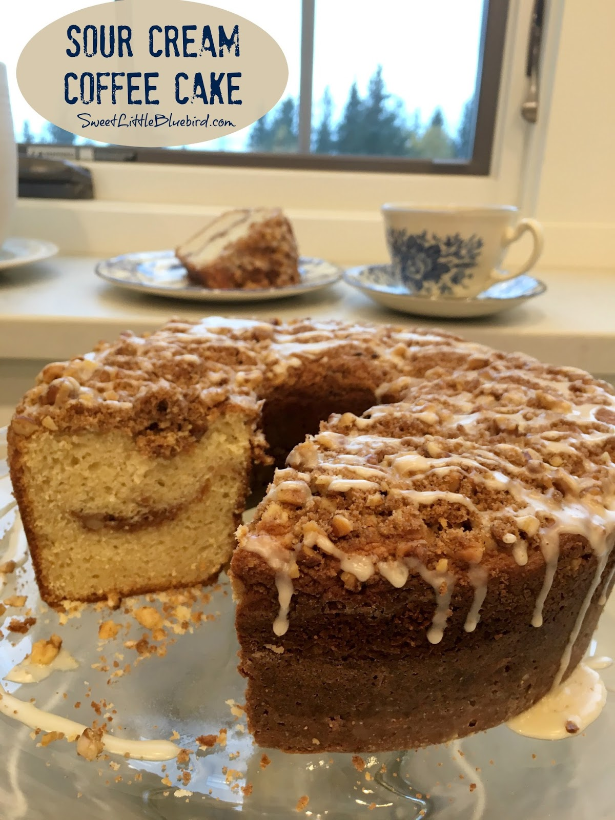 Sour cream coffee cake sweet little bluebird please note when i share a tried true recipe i always credit the source and often will send you to the site for the directions forumfinder Images