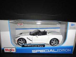Maisto Chevrolet Corvette C7 Stingray Convertible 2014 White 1/24