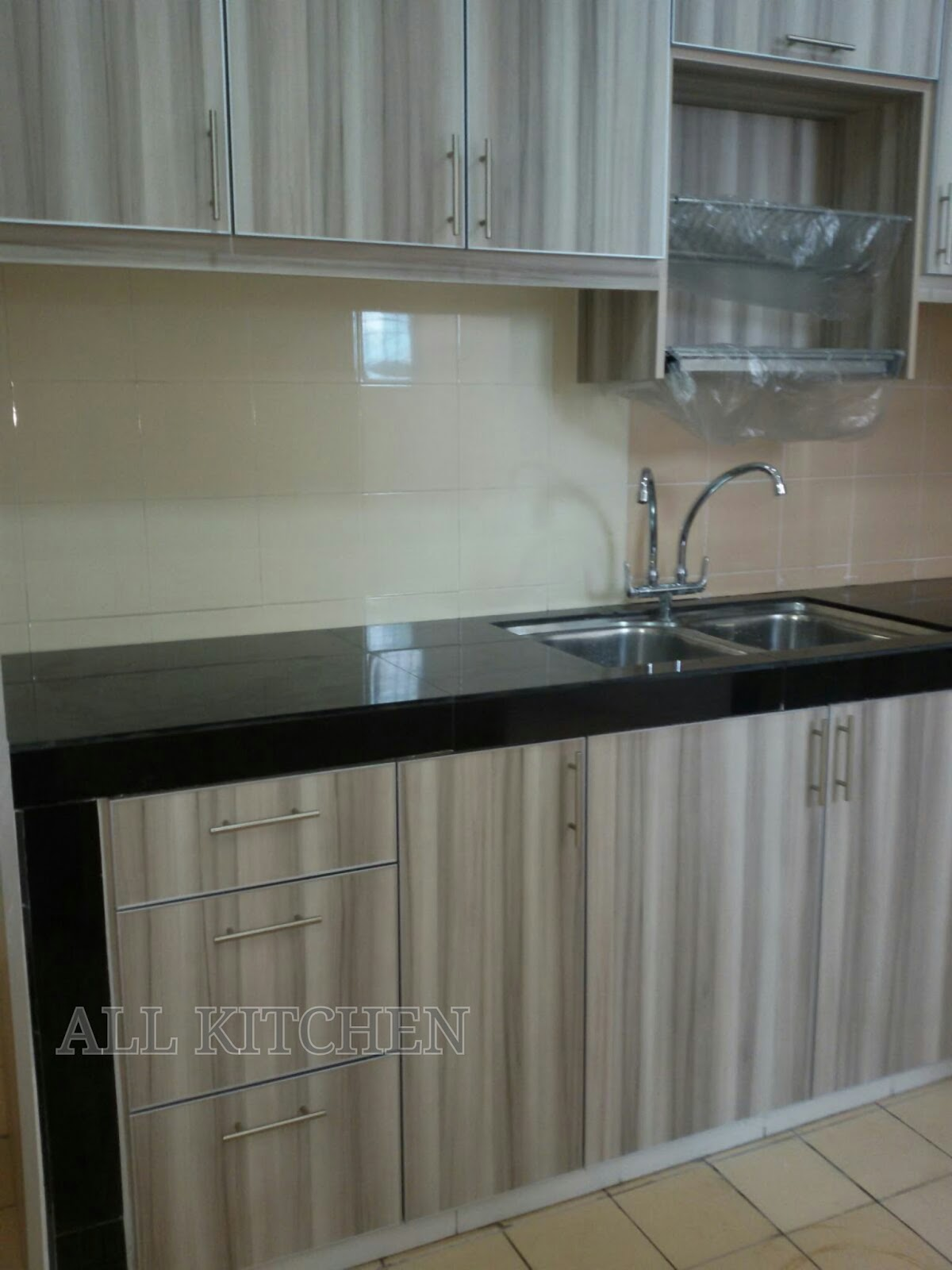 Kitchen cabinet puncak jalil for Harga kitchen cabinet 2016