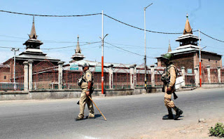 curfew-like-situation-in-srinagar-after-strike