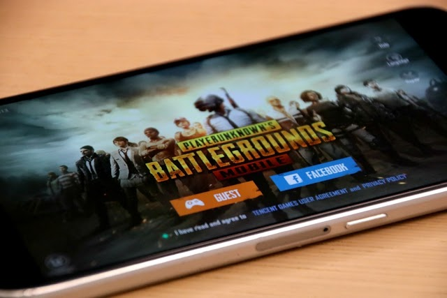 What are the best competitive mobile phone games?