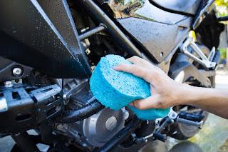 Consejos para limpiar tu moto en invierno - Fénix Directo Blog