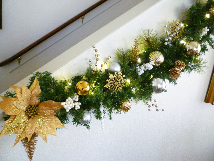 Christmas Garland On The Stairs Step By Step Tutorial A Stroll