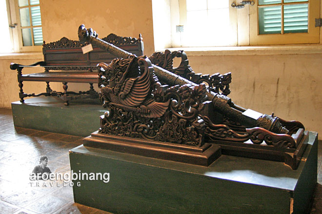 meriam antik museum fatahillah jakarta