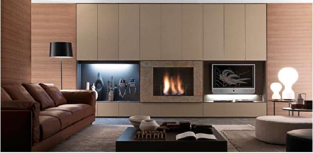 Sala de estar minimalista funcional con pared oscura por for Sala de estar funcional