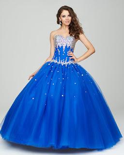 6c14b6fba Vestidos con joyería Si vas a elegir un vestido que lleve joyería en la parte  superior no uses más accesorios que una tiara