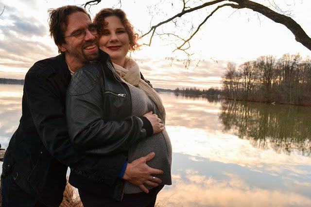 Puoli vuotta, synnytys, ensimmäinen lapsi, vauva, ultraäänikuva, varhaisultra, raskausvalokuvaus, valokuvaus, raskaus,