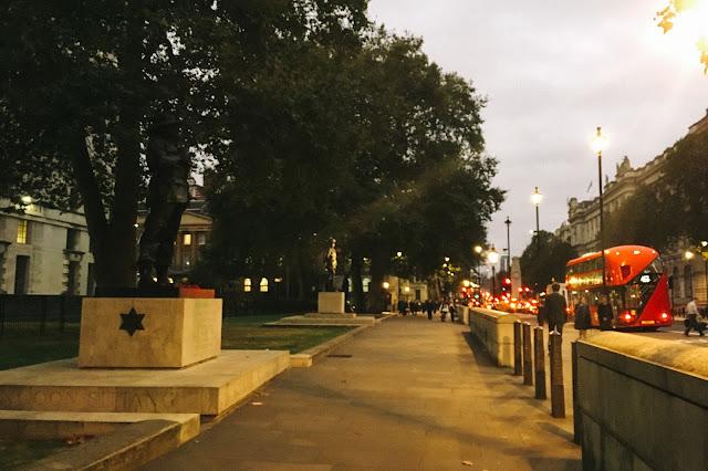 ホワイトホール(Whitehall)