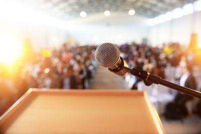 Menggali Potensi Public Speaking