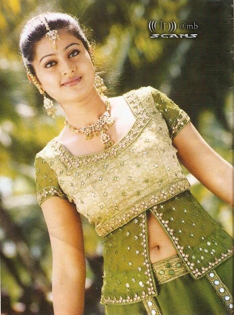 Urvashi Dholakia Nice Shaped Belly Muscles Slit Like Big Navel  Shilpa Saklani  Smriti Irani  Soumya Tondon
