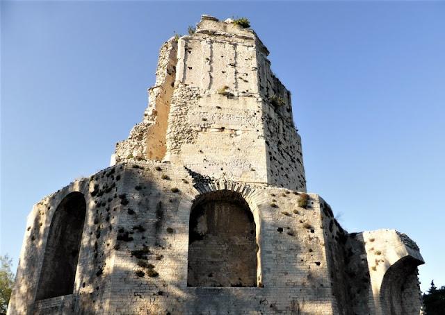Aspecto de la Torre Magna de Nimes
