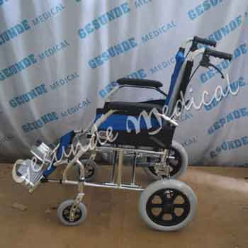 agen kursi roda warna biru