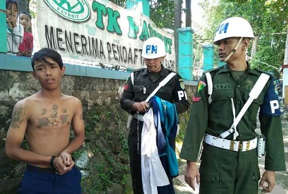 Pelajar SMP Ber-Tato Bawa Motor Ugal - Ugalan, Dirazia Petugas Nangis!