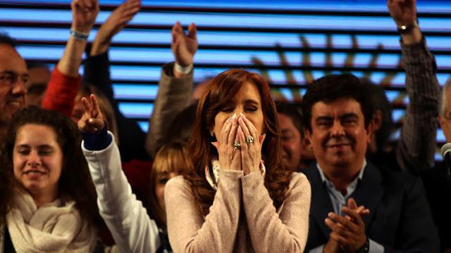 """""""Bochorno"""" por demora en escrutinio: Kirchner dice que ganó las elecciones en Buenos Aires"""