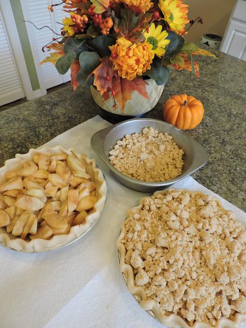 Dutch Crumb Apple Pie, Polish, Detroit