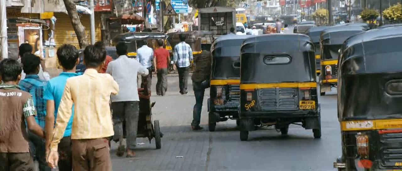 Thuppakki 2012 Dual Audio [Hindi Tamil] 720p BRRip