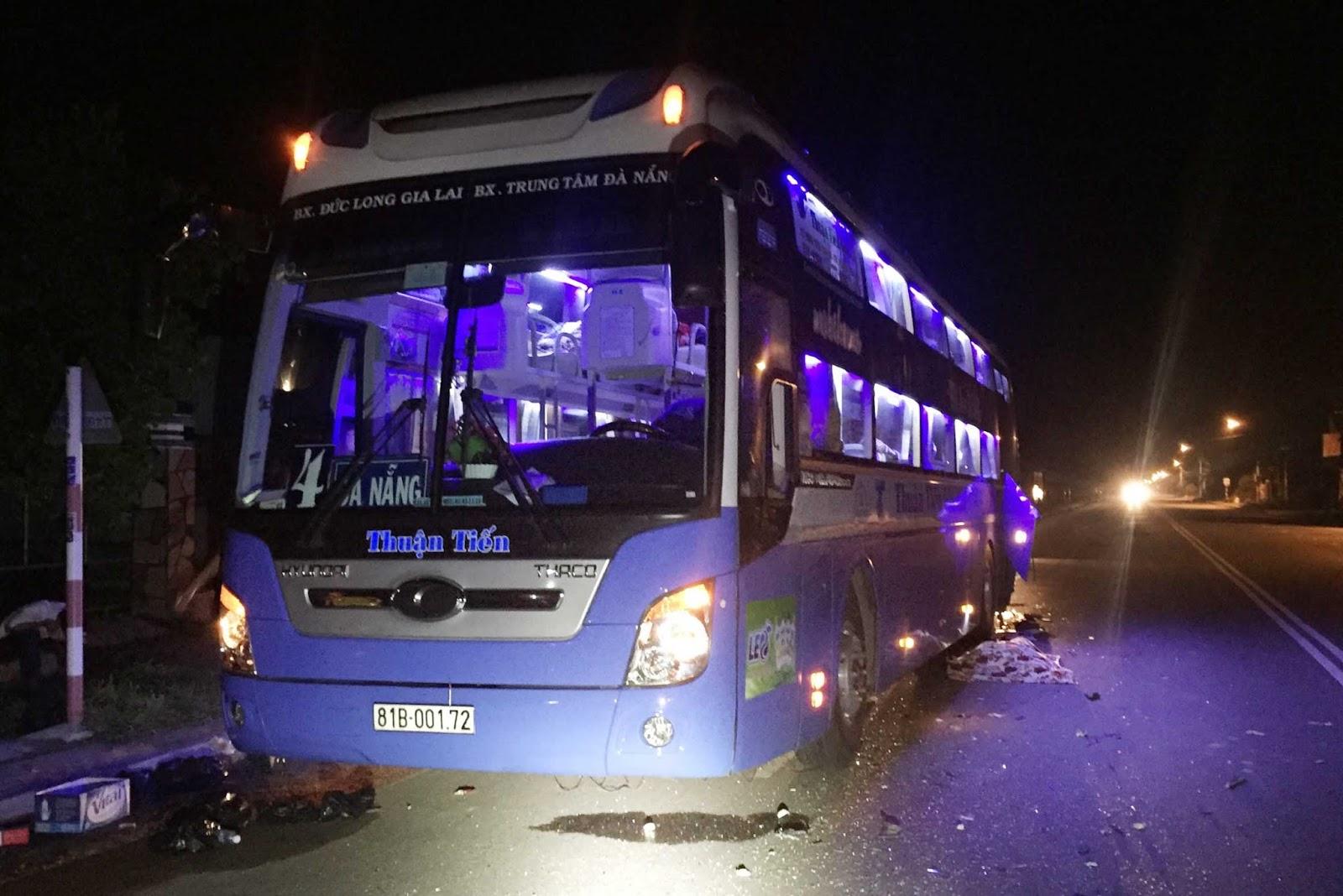 Bị xe tải húc đuôi, tài xế xe Thuận Tiến Gia Lai tử vong tại chỗ