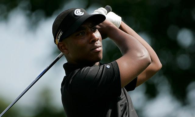 Jugador sordo de golf Kevin Hall