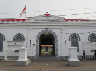 http://www.teluklove.com/2017/04/daya-tarik-objek-wisata-museum.html