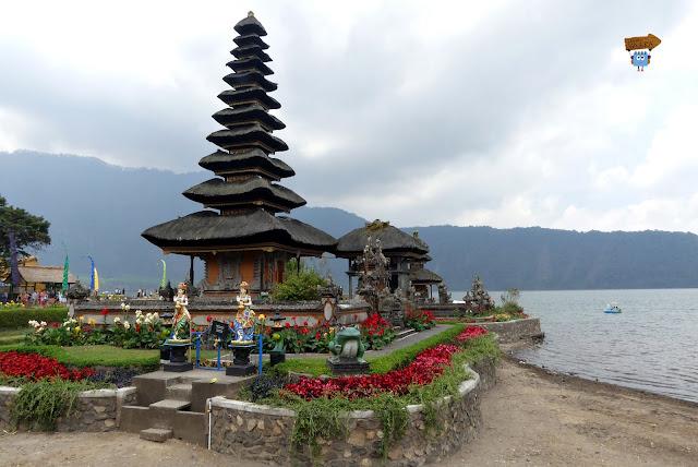 Pura Ulum Danu - Bali - Indonesia