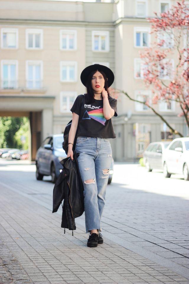 koszulka z zespołem | t-hirt Pink Floyd H&M | stylizacja grunge | stylizacja z ramoneską | jak nosić koszulkę z logo zespołu? | styl grunge | blogerka w kapeluszu | mom jeans z dziurami | blog modowy | blog szafiarski | blogerka z Łodzi