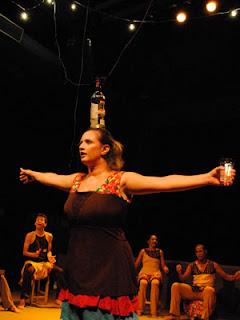Cultura, gastronomia, acessibilidade: Eu Vim da Ilha - cartaz da peça