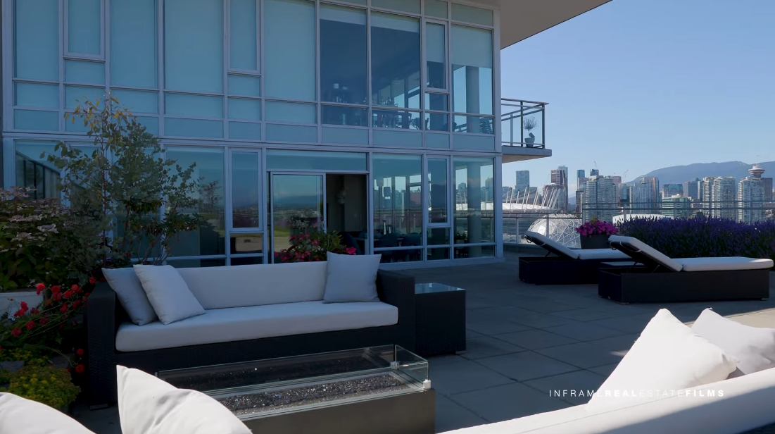 27 Interior Design Photos vs. 2107 Quebec St, Vancouver Luxury Penthouse Tour