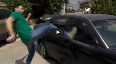Πώς σπάνε τα τζάμια σε ένα αυτοκίνητο - Απεγκλωβισμός