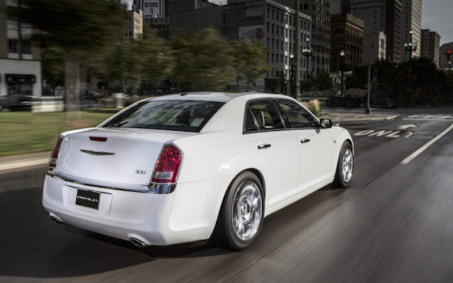 2013 Chrysler 300 Motown Edition Rear Exterior