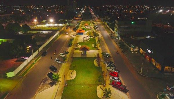 Iluminação com LED é testada na Anysio Chaves; economia será de 60%, diz Seminfra