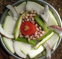 Ashgourd, Ridge gourd, Groundnut sprouts, Tomato, Coconut