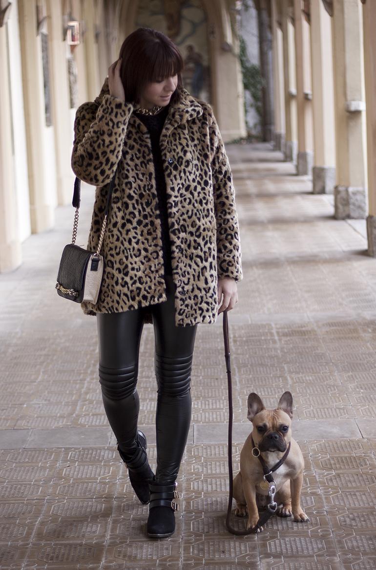 Outfit: Leo Mantel und Boots Life und Style Blog aus