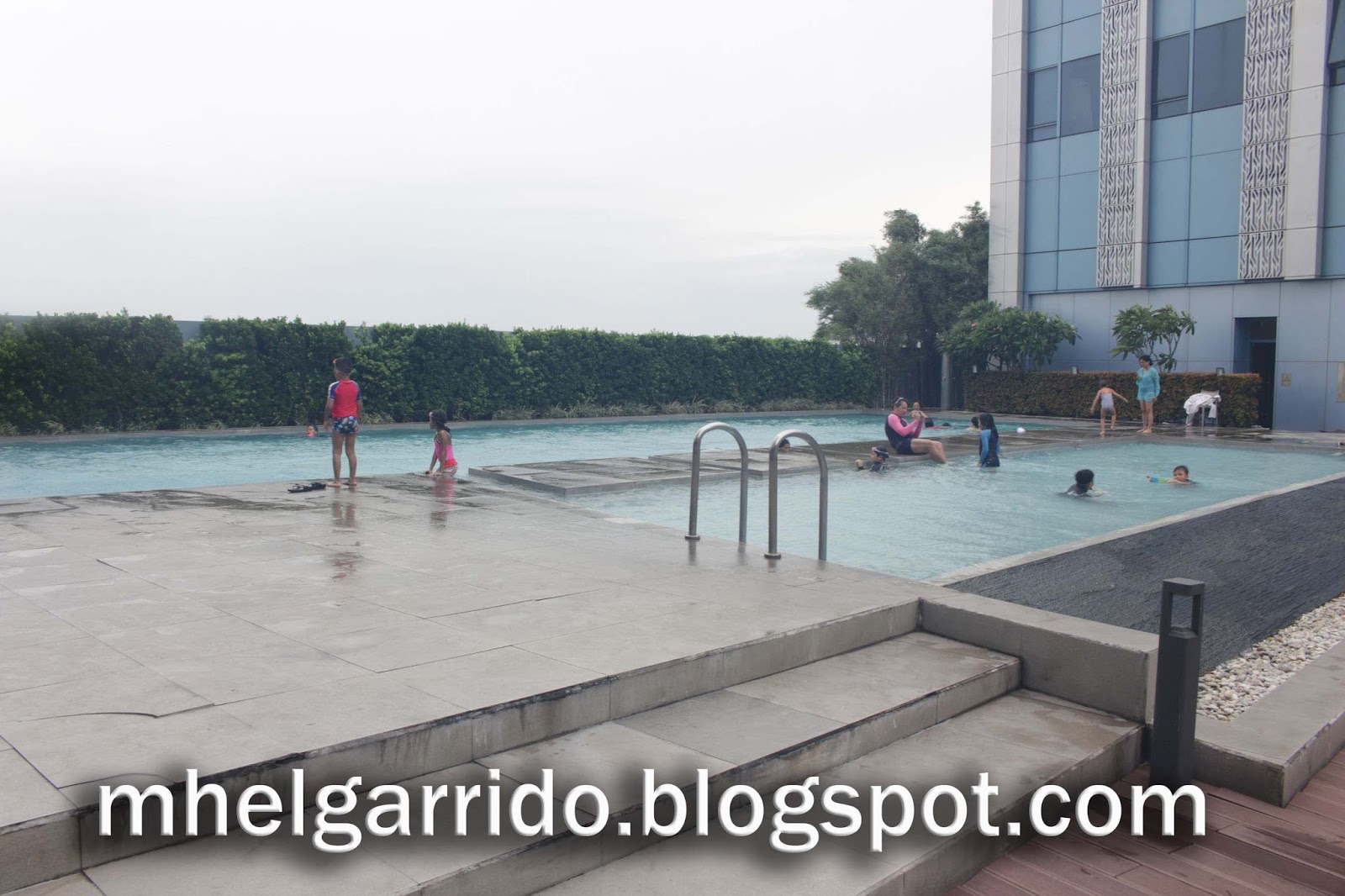 Blogging Rights The Crimson Hotel In Alabang