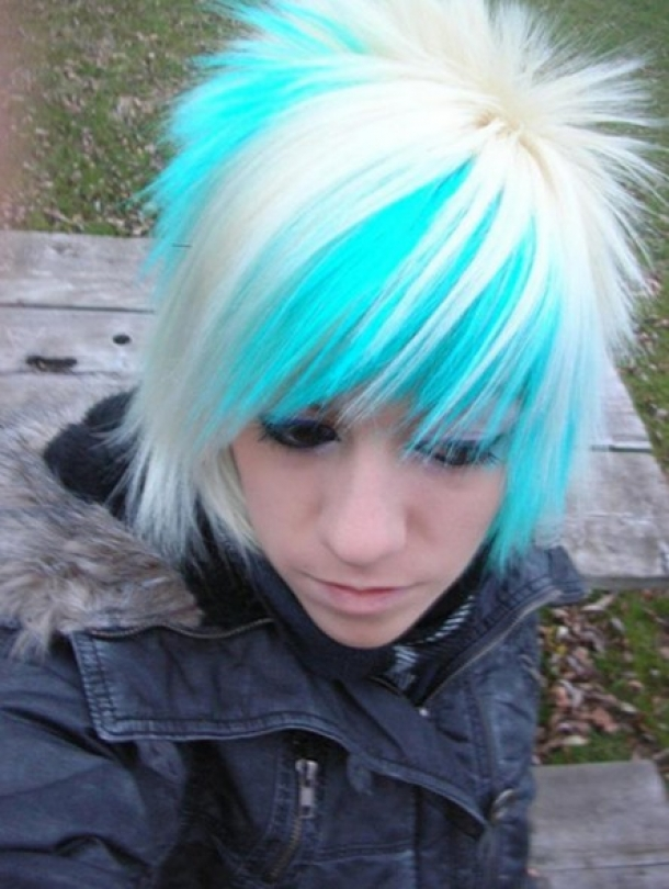 Coupes de cheveux cool emo girl
