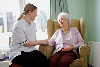 Does My Loved One Need Memory Care? | Alzheimer's Reading Room