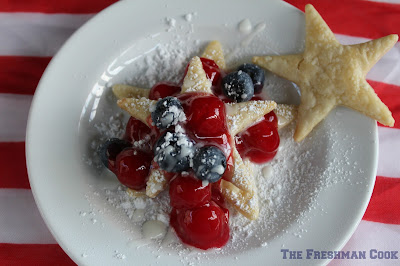 cherries, easy to make,pie, blueberries, confectioner's sugar, lemon
